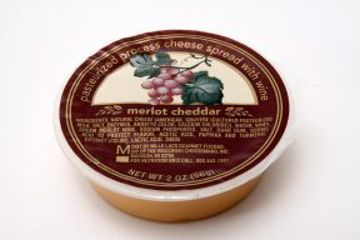 Picture of Cheese Spread with Wine - Merlot Cheddar