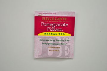 Picture of Bigelow Pomegranate Pizzazz Herbal Tea - Packet